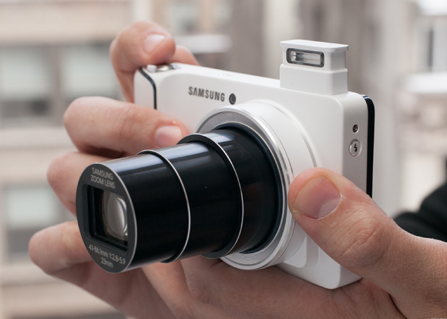 Samsung_Galaxy_Camera_35429670_01
