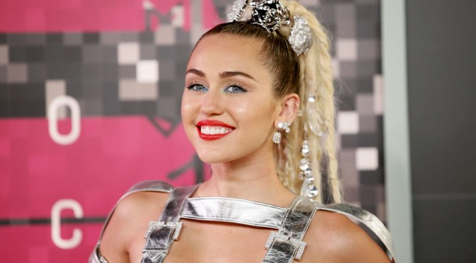 Miley Cyrus Is Interesting At 2015 MTV VMAs