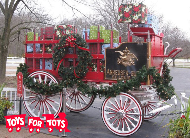 Display Toys For Tots : Budweiser clydesdales u s marines team up for toys