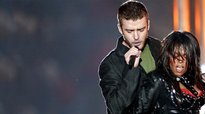 Justin Timberlake and Janet Jackson perform at the 2004 Super Bowl halftime show
